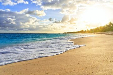 Dream destinations for honeymooners, romantic destinations for honeymoon, lovebirds, charm, popular, deserted